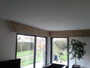 Dessus de fenêtres en bois pour l'agencement intérieur sur Les Herbiers par Merlet Luc
